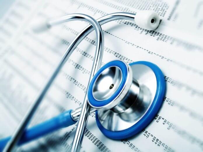 lekarze przyjmują osoby bez ubezpieczenia